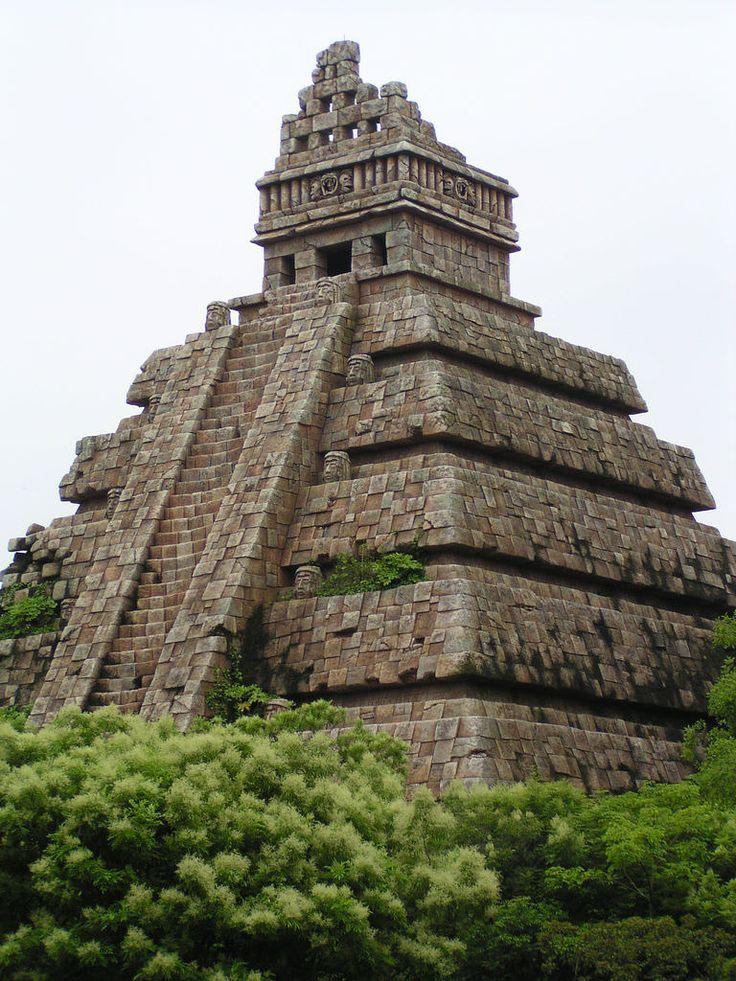 aztec temple | by pankun