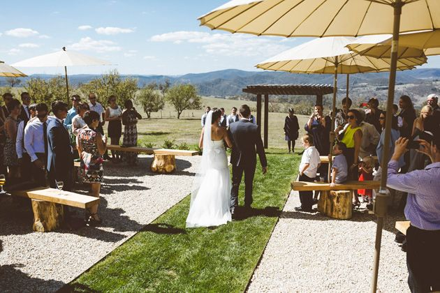 Sarah & Bryant » A Rustic Blue Mountains Wedding