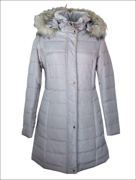 Γυναικείο υφασμάτινο μπουφάν από αδιάβροχο και αντιανεμικό ύφασμα με οικολογική πουπουλένια επένδυση και προσθαφαιρούμενη κουκούλα/γούνα Μοντέλο: BEATRICE Τιμή: 134€