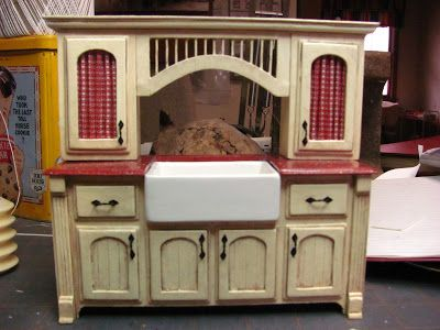 Dollhouse Miniature Furniture - Tutorials | 1 inch minis: How to make kitchen cabinets from mat board.