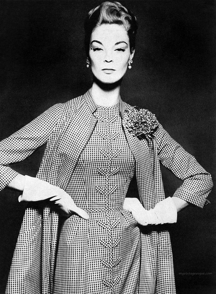 Harper's Bazaar June 1956 - photo by Richard Avedon