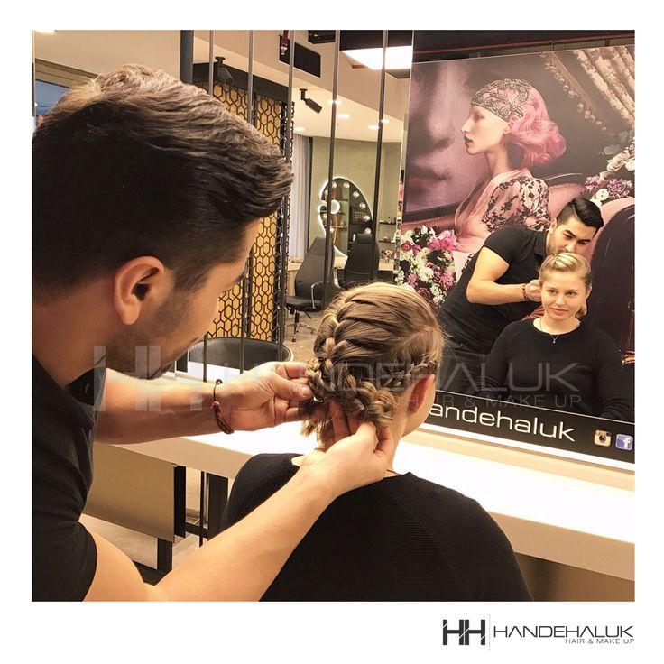 Hafta sonu yoğunluğunuza ayak uyduracak rahat ama şık modeller!  #HandeHaluk #ulus #zorlu #zorluavm  #zorlucenter #hair #hairstyle #hairoftheday #hairfashion #hairlife #hairlove #hairideas #hairsalon #hairstylists #hairinspiration  #inspiration  #HandeHalukAveda #HandeHalukZorlu #HandeHalukUlus #hairtrends  #Aveda #avedahair #avedahaircare #avedahairstylist #avedahairstyle #avedahairsalon #braid #braidstyles #braidideas