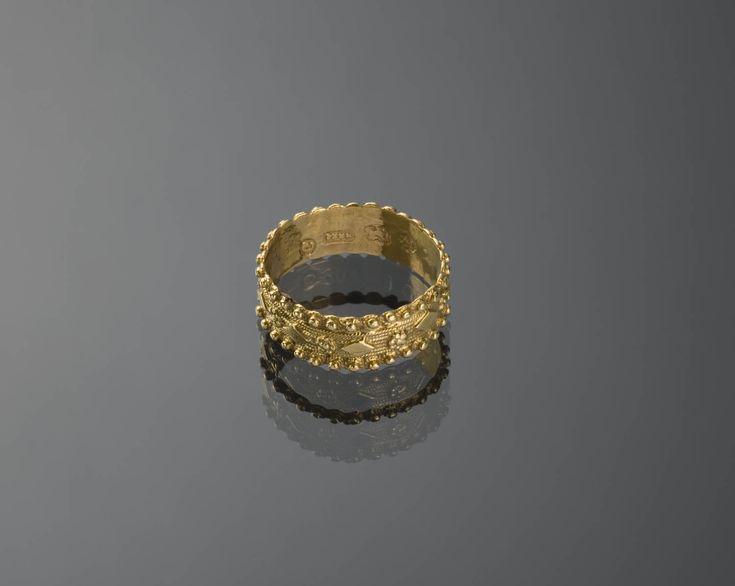 'Akkelde ring', Marken 1787, vrouw Dit type ring komt in diverse provincies voor. Het is ook de voorloper van de Zeeuwse 'dopring'. #NoordHolland #Marken