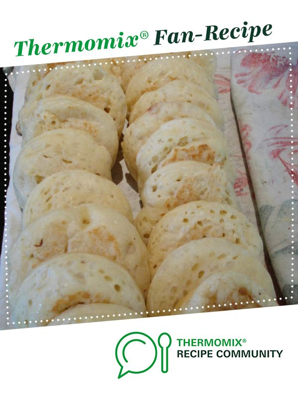 Crumpets - anytime by foodieforever. A Thermomix <sup>®</sup> recipe in the category Breads & rolls on www.recipecommunity.com.au, the Thermomix <sup>®</sup> Community.