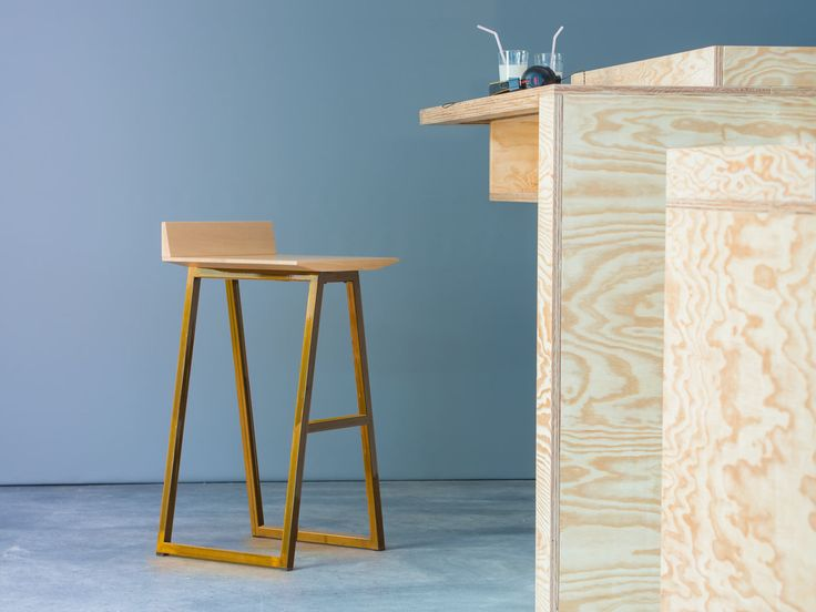 die besten 25 barhocker holz ideen auf pinterest holz barhocker restaurant z hler und. Black Bedroom Furniture Sets. Home Design Ideas