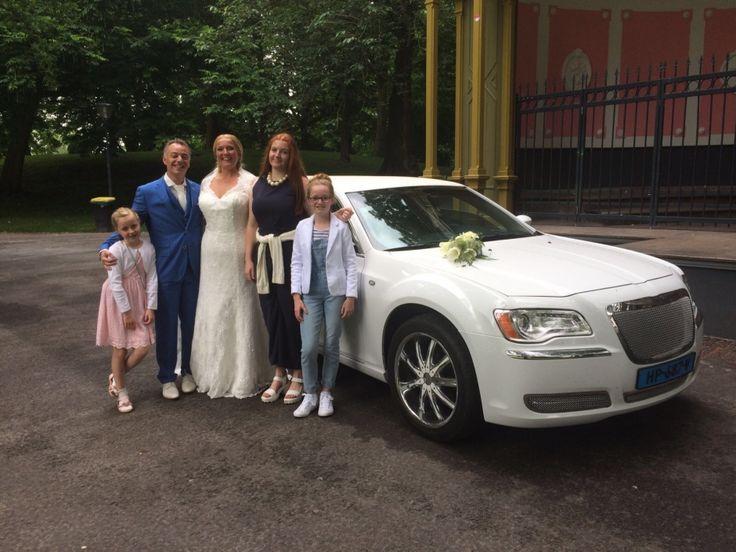 Trouwvervoer met Chrysler limousine | Limousine huren Friesland