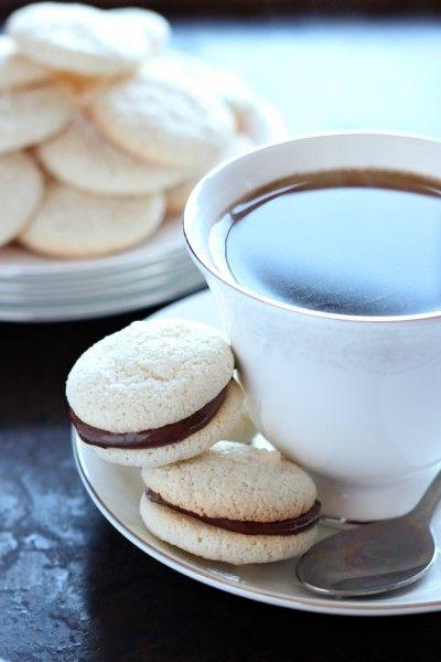 amaretti biscuits w/ nutella filling