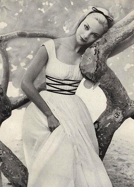 Gretchen Harris, Vogue 1957