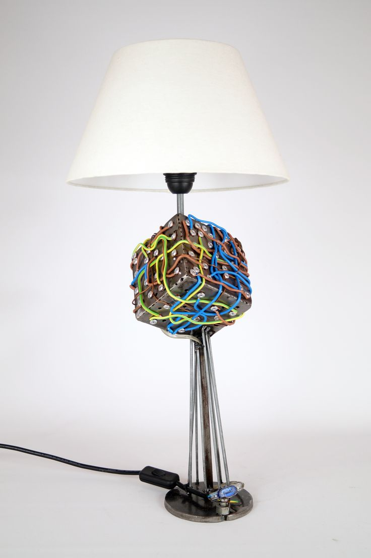 Magnetism, Metal sculpture made of industrial parts, This sculpture can also be used as a lamp – Handles E27 bulbs – 230V AC – lamp included – shade not included, Dimensions 50 x 18 x 18 cm
