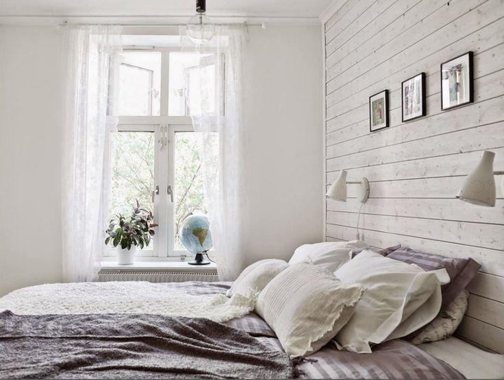 Skandinavisch Eingerichtetes Schlafzimmer Weiss Lasierte Wandverkleidung Skandinavisch Eingerichtetes Schla Landhaus Schlafzimmer Wandpaneele Wandpaneele Weiss