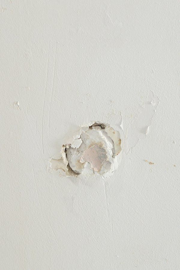Repairing Medium To Larger Sized Holes In Plaster And Drywall Isn T Quite As Difficult As One Might Think Patching Plaster Walls