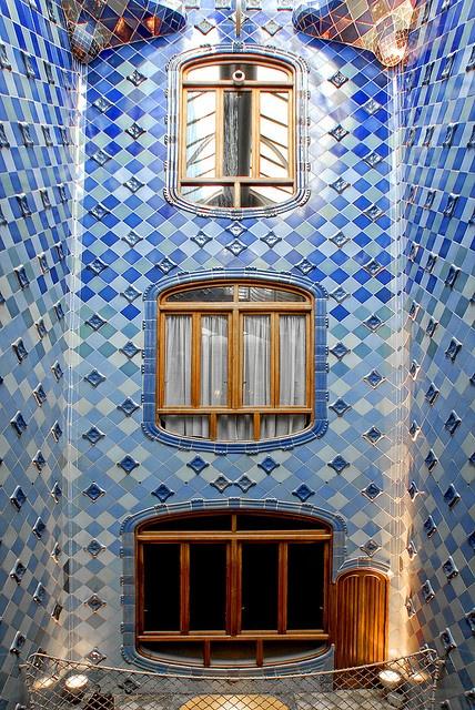 Casa Batlló, Barcelona, España.(1904-1906)  -  Arq. Antoni Gaudí (25 de junio 1852, Reus -10 de junio 1926, Barcelona) España.