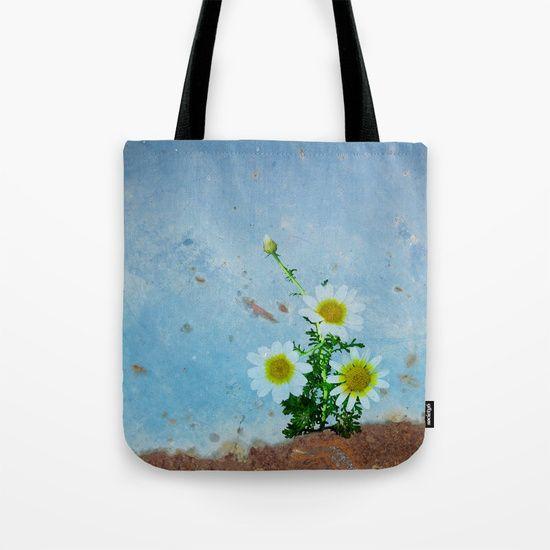 Daisies on rusty metal Tote Bag