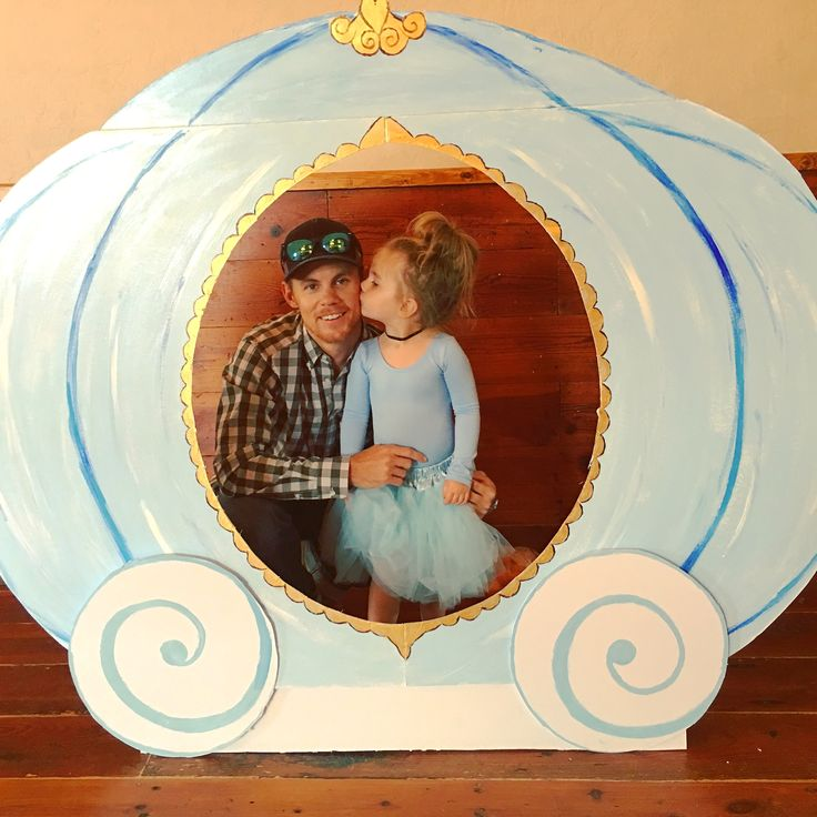 Cinderella party. Toddler birthday. Photo booth. Cinderella coach. Cinderella costume. Le petit Tom. @emmy.reese