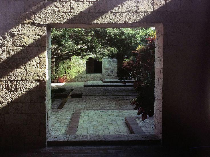 Galería de Clásicos de Arquitectura: Casa presidencial del Fuerte San Juan de Manzanillo / Rogelio Salmona - 10