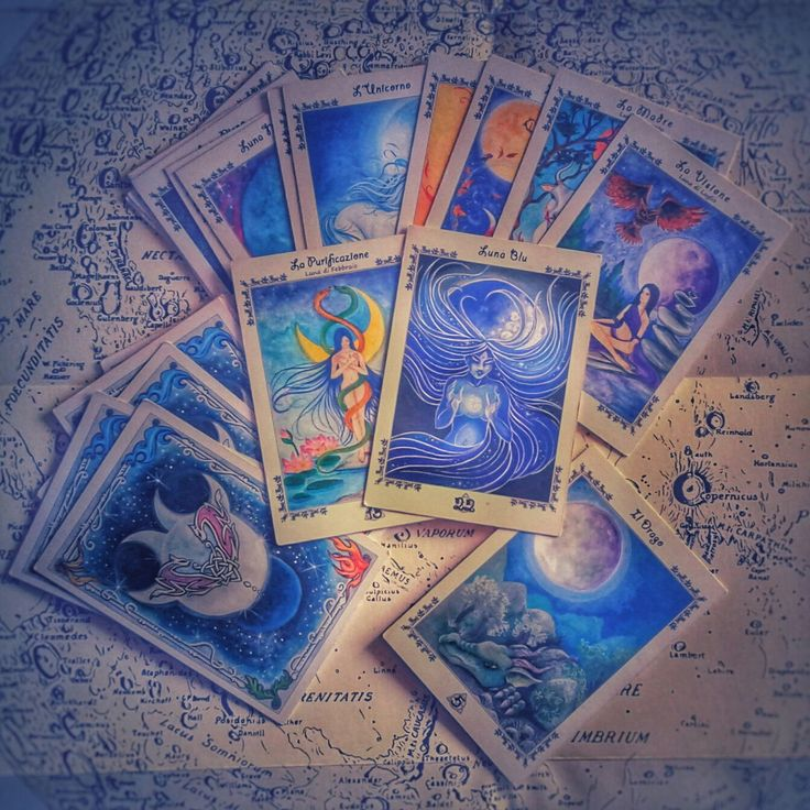 Lunar Oracle Divination Card by Nahima