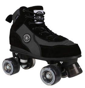 """Rollschuhe """"Luca"""" für Damen und Herren von BRFL in einer stilvollen Kombination aus Wildleder und Mesh, die an komfortable Trend-Sneaker erinnert."""