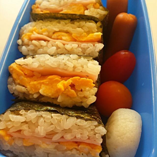 サンドイッチにして!と、リクエスト。 しかし、食パンはありません。 ご飯でサンドイッチ風のお弁当で満足してくれました。 単に、ハム&卵の組み合わせが好きなのかしら? - 3件のもぐもぐ - 幼稚園児のお弁当 by risaxmama
