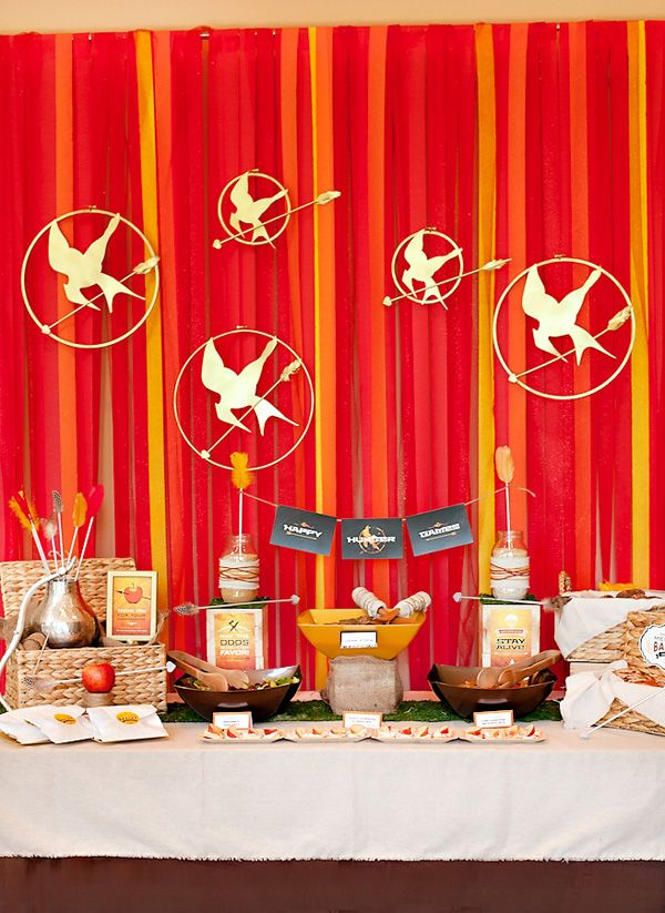 HWTM Hunger Games Buffet Table #hungergames #mockingjay #katniss