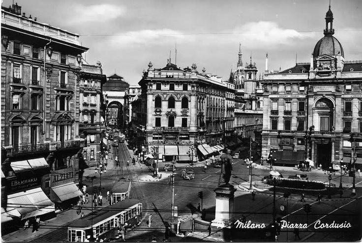 MILANO , Piazza Cordusio, anni '50.