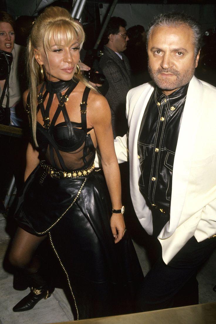 The Evolution Of Donatella Versace S Va Va Voom Beauty