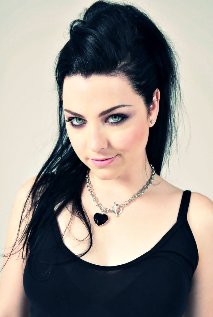 Amy Lee gif hunt updated per request! Click on the pic to check out 50 new gifs added (scroll to the bottom)
