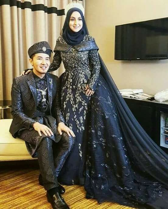 Songket wedding dress in royal blue