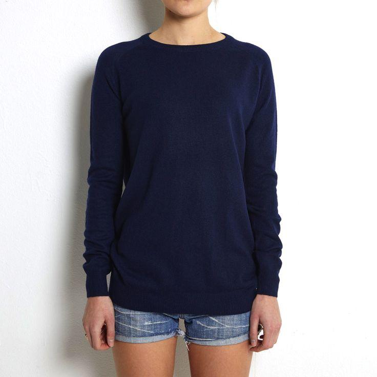 Loosefit sweater navy cashmere www.wildwool.no