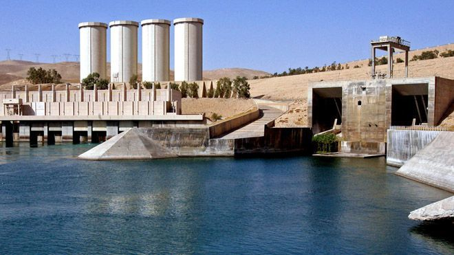 Islamic militants seize Iraq's largest dam.