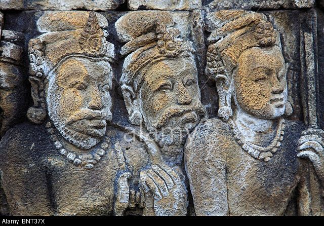 Image from http://c8.alamy.com/comp/BNT37X/indonesia-java-borobudur-temple-sculpture-stone-carving-relief-detail-BNT37X.jpg.