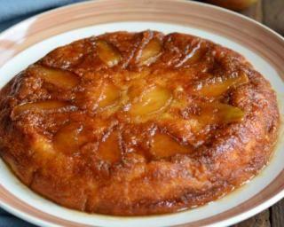 Gâteau renversé pomme et cannelle : http://www.fourchette-et-bikini.fr/recettes/recettes-minceur/gateau-renverse-pomme-et-cannelle.html