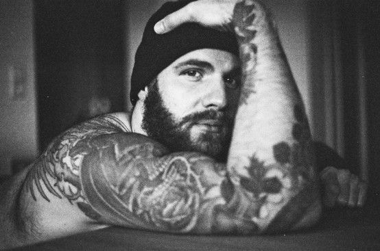33 best sexy images on pinterest for Bearded tattooed man