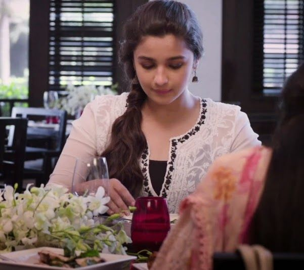 2 States Movie : Alia Bhatt in Chikan Kurta