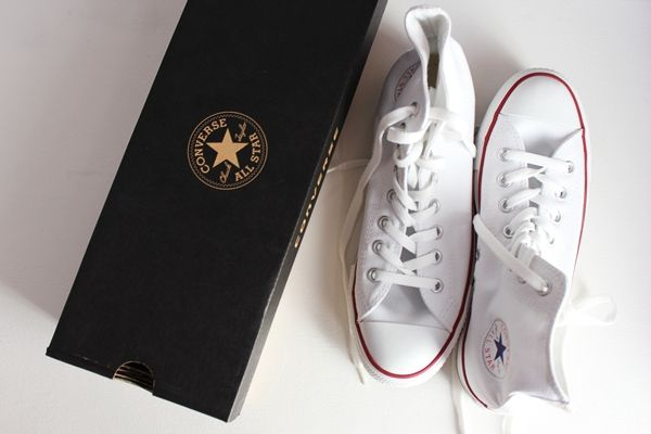 Converse Chuck Taylor All Star: Convers White, Chuck Taylors, Converse Chuck Taylor, White Converse, Converse White, Wedding Shoes, Allwhiteeveryth Hightops, Classic White, White Chuck