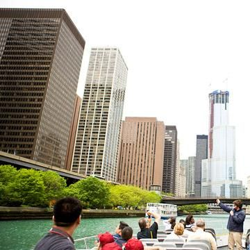 Chicago Riverwalk • 8 One-Hour Chicago Attractions | Midwest Living