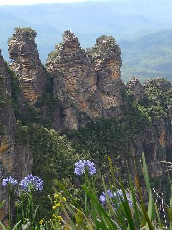 The Three Sisters Blue Mountains #Sydney #Australia http://www.tripadvisor.com.au/ShowForum-g255060-i122-Sydney_New_South_Wales.html