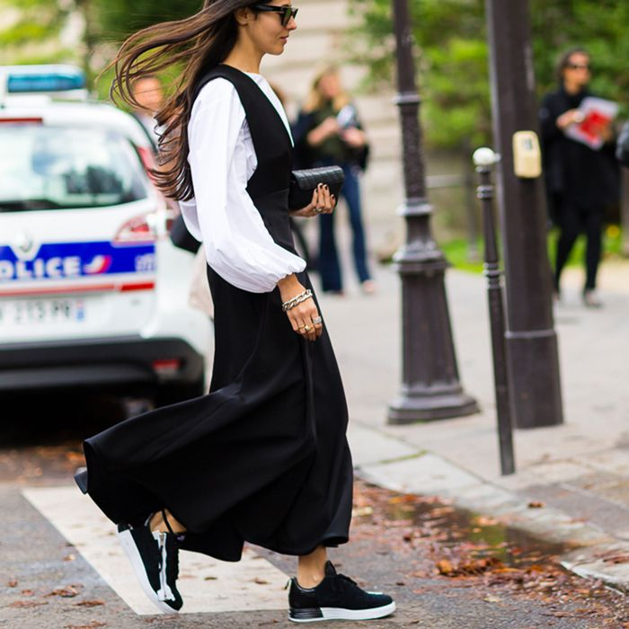 Designer Gilda Ambrosio is an ultimate streetstyle star. The 25-year-old Naples-born girl is permanently surprising with completely fancy outfits.