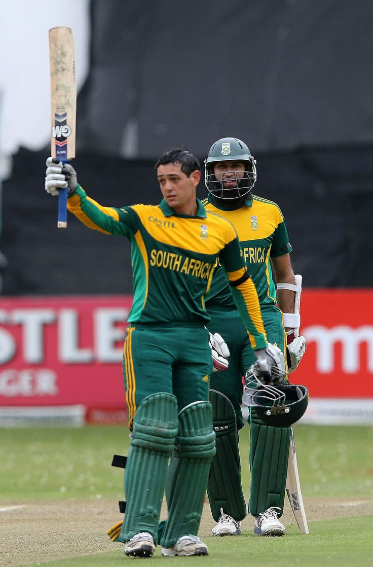 Quinton de Kock notched his second consecutive ODI century, South Africa v India, 2nd ODI, Durban, December 8, 2013