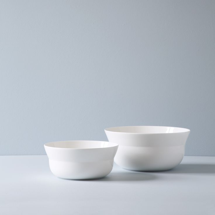 In collaboration with the internationally renowned Danish designer, Cecilie Manz, Kähler is proud to introduce a new dinner service with wonderful qualities and fascinating combinations of materials.