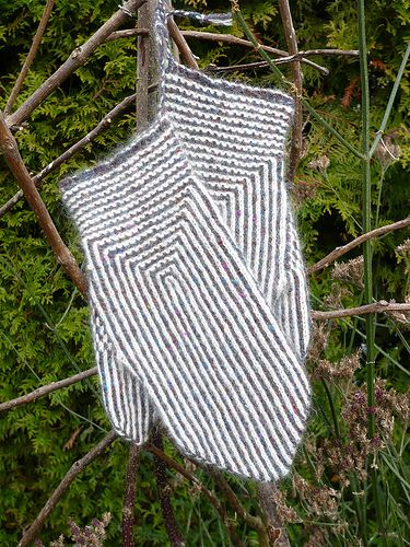 Twined Knitting mittens (8)