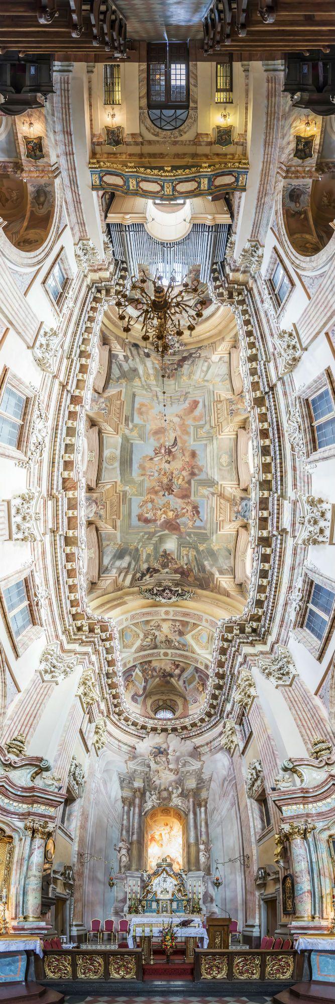 Church of the Transfiguration - Krakow, Poland / Richard Silver