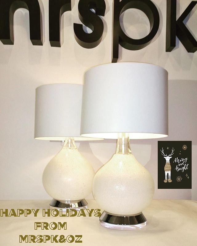 Happy Holidays!!!! #mrspkandoz #midcenturymodern #20thcenturydesign #holidaygiftideas #holidaygifts #christmasgifts #interiordesign #homedecor #vistosi #lamps #muranoglass #lucite #letitsnow