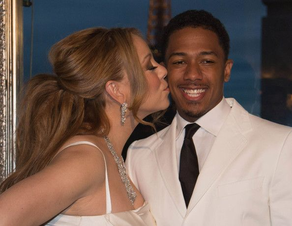 Mariah Carey Photos Photos - Mariah Carey and her husband Nick Cannon during the their vows renewal ceremony, photocall on April 27, 2012 in Paris, France. - Mariah Carey And Nick Cannon Vows Renewal Ceremony - Photocall