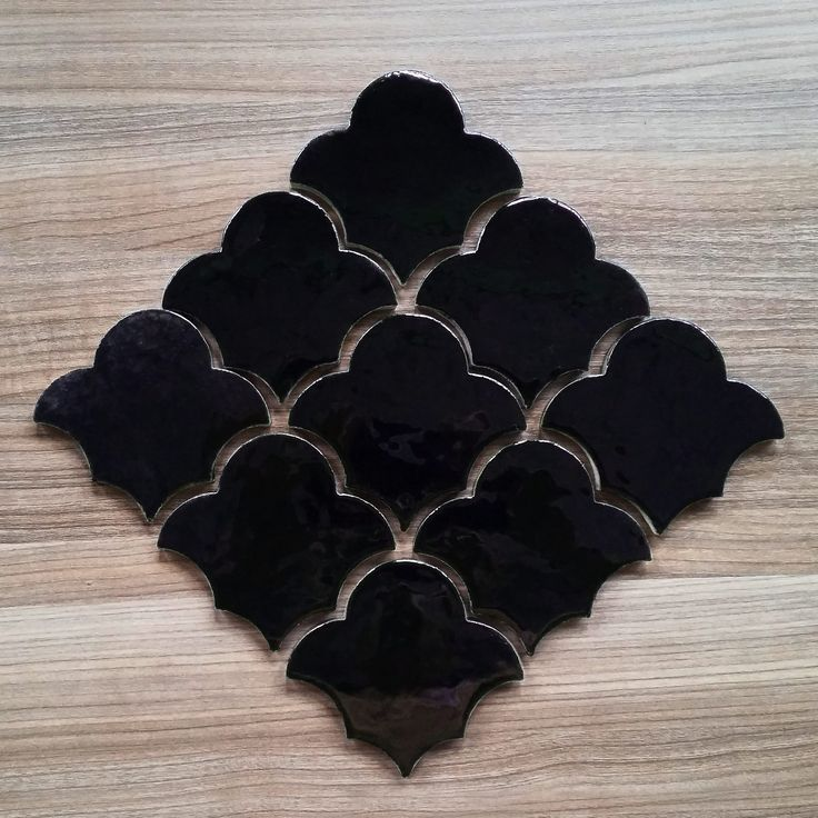 Черный Лотос. Ничего лишнего. Только графика и фактура. #чернаяплитка #мароканскаяплитка #чёрный #плиткаручнойработы #керамическаяплитка #лотос #примакерамика #дизайнерскаяплитка #кухонныйфартук #марокканская #плитка #марокко