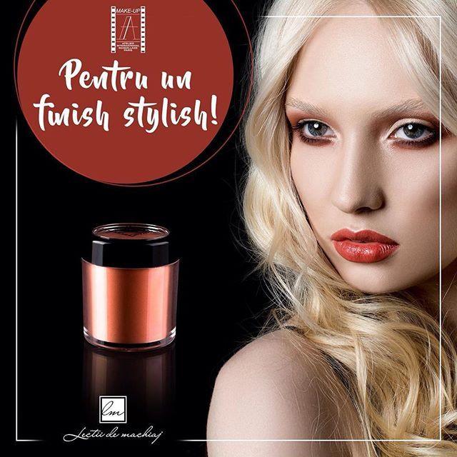 Pudra blush de la #AtelierParis contine particule mici reflectorizante, care confera machiajului o nuanta placuta, stralucitoare, metalica.  Comanda de aici, discount special pentru make-up artisti si cursanti → goo.gl/8C4kLy #lectiidemachiaj #mua #makeup #makeupartist #powdercoat #blush #cosmetics #beautiful #eyeshadow #lips #lipstick #lovemyjob #picoftheday #instagood #instalike #instagood #makeupoftheday #picoftheday #followme