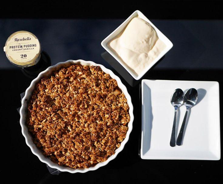 Äppelpaj äppel smulpaj från i somras med @barebells vanilj proteinpuddig recept diet! 199 kcal/bit (6 bitar/paj): • 800g äpple • 350 g havregryn • 200 rumsvarmt lättmargarin • 4 msk sötströ • 1 krm salt + kanel. Recept: Sätt ugnen på 200*. Baka 30min.