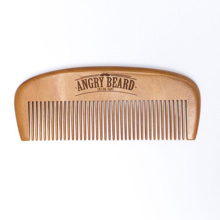 ✪✪ AngryBeard ✪✪ Idée cadeau fête des pères. Déjà plus de 10 000 barbus utilisent notre kit à barbe. ATTENTION STOCK LIMITE   Brosse à barbe en bois + Peigne à barbe en bois - Brosse 100% en poil de sanglier pour le soin de la barbe - Meilleur peigne à barbe pour homme - Idéal avec de l'huile de ricin par exemple, un baume ou cire pour barbe - Inclus une pochette de rangement en coton + une superbe boite magnétique (Idéal pour offrir ou idée cadeau homme): Amazon.fr: Beauté et Parfum