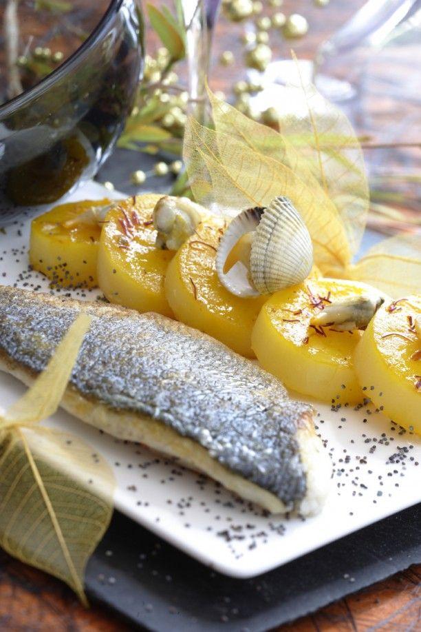 Filet de bar rôti, pomme de terre fondante au safran et sabayon au champagne