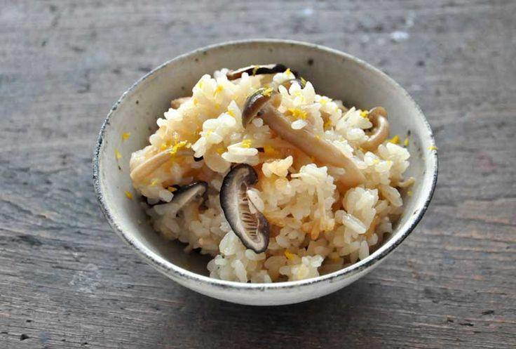 きのこの炊き込みご飯 ©白ごはん.com #お弁当