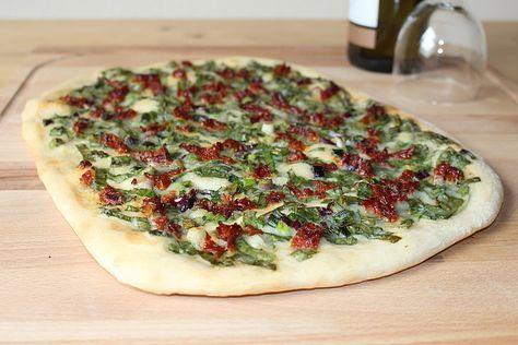 Veganer Flammkuchen mit Bärlauch und getrockneten Tomaten, ein tolles Rezept aus der Kategorie Frühling. Bewertungen: 7. Durchschnitt: Ø 4,2.